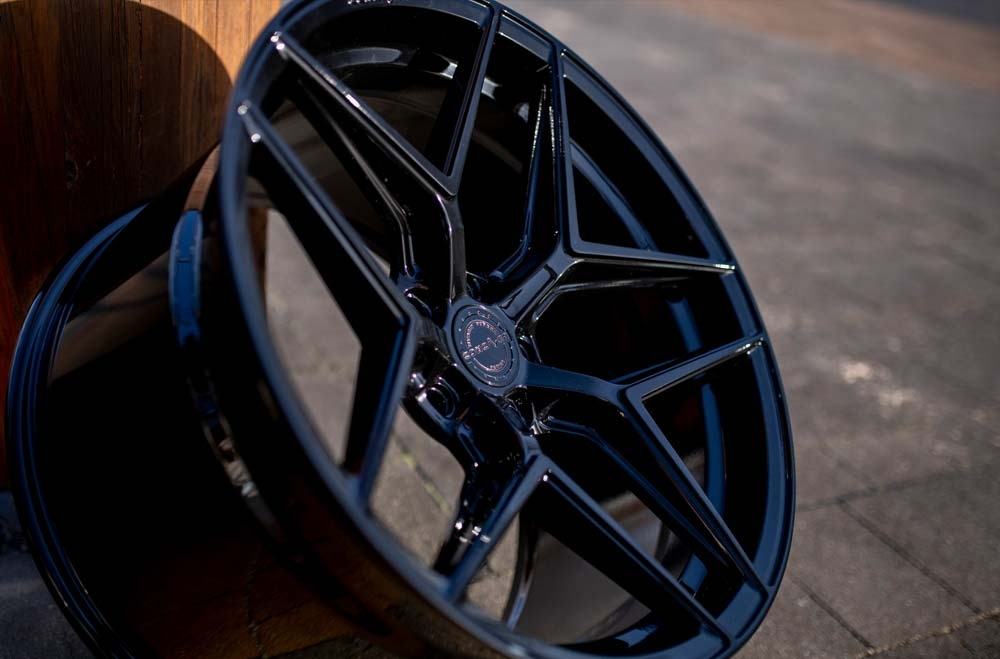CVR2 - Platinum Black Wheels
