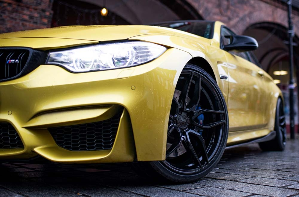 BMW M4 - CVR3 Platinum Black Wheels