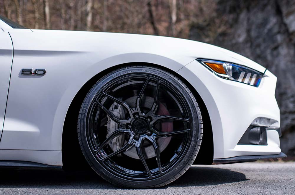Ford Mustang GT 5.0 - CVR3 Platinum Black Wheels